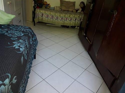 Apartamento Com Um Amplo Dormitório, Sala Bgrande, Cozinha Espaçosa, Banheiro, Área De Serviço, Garagem, Prédio Na Orla Da Praia, Apartamento De Fundos. Fazemos Toda A Documentação Para Venda A Vista