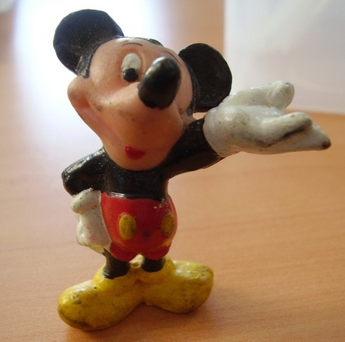 2 Miniaturas : Mickey Y Wendy