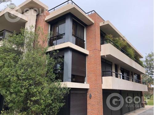 Vendo O Alquilo Apartamento De 3 Dormitorios Con 2 Garajes, Área De Playroom Exclusiva, Carrasco