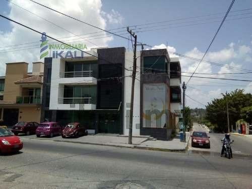 Renta De Oficinas O Despachos Colonia Tepeyac Poza Rica Veracruz. Son 4 Oficinas Modernas Y Funcionales, Todas En El Primer Piso, Tienen Diferentes Medidas Una De 4 M. X 4 M., Otra De: 4.50 M. X 7 M.