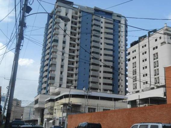 Apartamento En Venta Zona Centro- Maracay 21-7180hcc