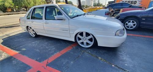 Volkswagen Santana 2002 1.8 4p Gasolina