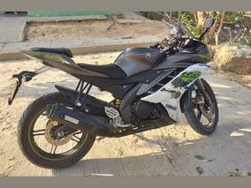 Yamaha R15 Gris