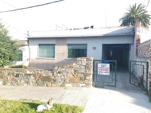 Casa Con 3 Apartamentos Inglaterra Y Grecia