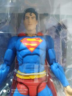 Superman Essentials - Dc Collectibles - Unico No Ml.