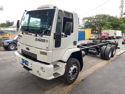 Ford Cargo 2422 2011