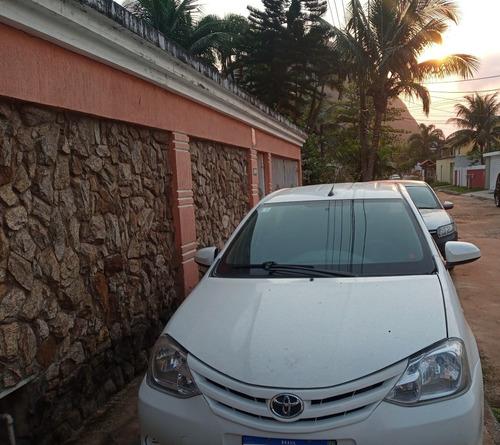 Imagem 1 de 4 de Toyota Etios 2014 1.5 16v Xs 4p