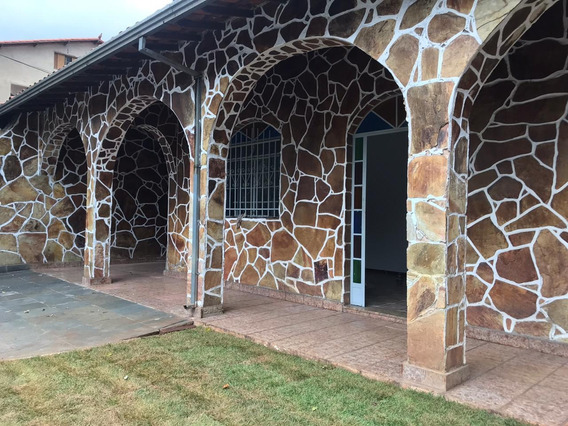 Casa De 4 Quartos Para Alugar No Bairro Dona Clara - 3777