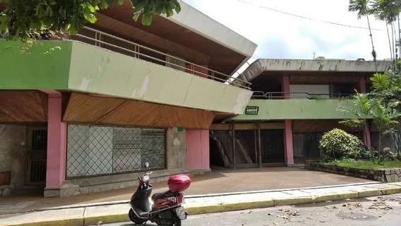 Inmobiliaria Maggi Alquila Local Comercial En Av. Bolivar *