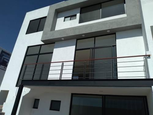 Casa En Venta. Lomas De Juriquilla, Queretaro. Rcv200128-cp