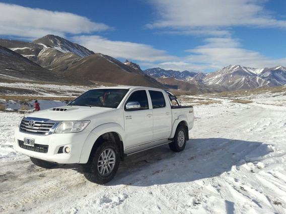 Toyota Hilux 3.0 Cd Srv Cuero 171cv 4x4 5at 2014