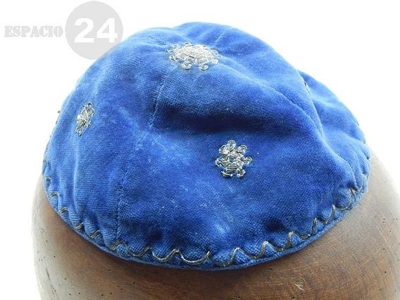 Antiguo Sombrero Kipá De Terciopelo Color Azul Claro Bordado