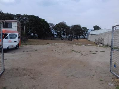 Se Renta Terreno En Zona Esmeralda Chiluca 2200 M2