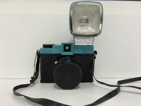 Câmera Diana F+ Lomography (com Flash + Acessórios)
