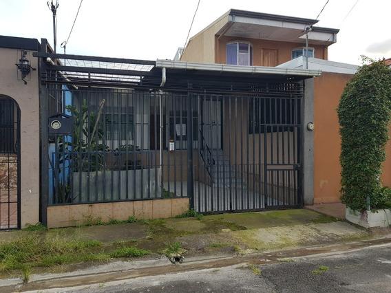 Casa A La Venta En Residencial Madeira Desamparados