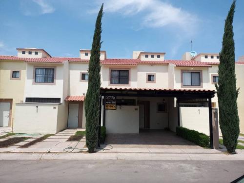Casa En Venta, Fuentes Del Lago, Calle 1857 #98, Aguascalientes, Ags, Rcv 396174