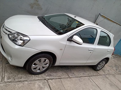 Toyota Etios Etios 1.3x Flex 4p Manual