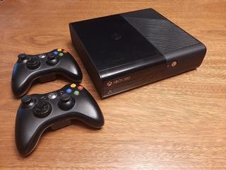 Xbox 360 Con 2 Joysticks Y 3 Juegos