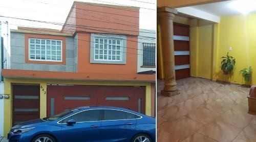Casa En Candiles, 3 Recamaras, 2.5 Baños, 2 Bodegas, Cochera