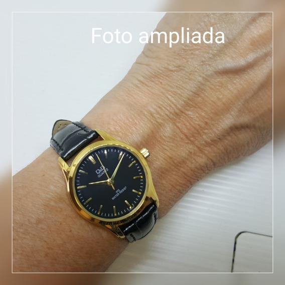 Relógio Feminino Couro E Fundo Preto C/ Dourado Pequeno Q&q