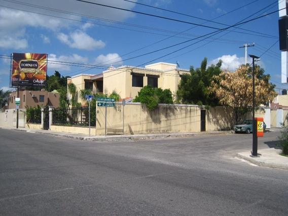 Casa En Venta En Esquina De 3 Recamaras En Avenida Libano, Merida, Yucatan