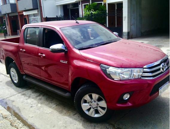Toyota Hilux 4x2 Cabina Doble Srv 2,8 Tdi 6m/t