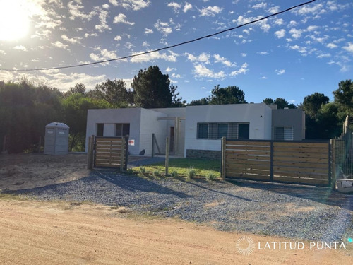 Casa En Parque Burnett- Ref: 1395
