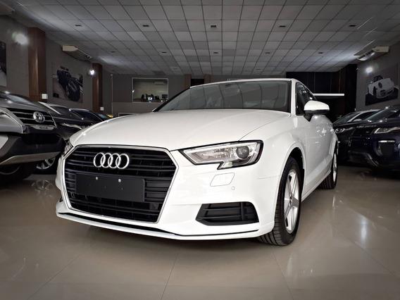 Audi A3 Prestige Tfsi 1.4. Branco 2019/19