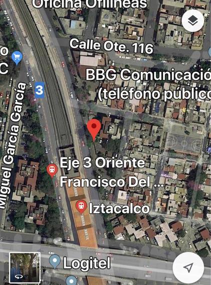 Cajón De Estacionamiento, A Media Cuadra Del Metro Iztacalco