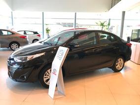 Toyota Yaris Sedán 4p Xs