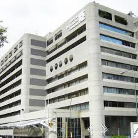 Consultorio Medico En Prestigiosa Clinica De Caracas