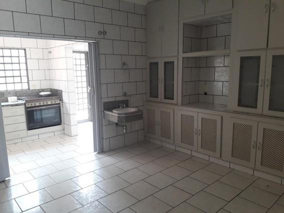 Casa Em Centro, Araçatuba/sp De 260m² 3 Quartos Para Locação R$ 2.500,00/mes - Ca362808