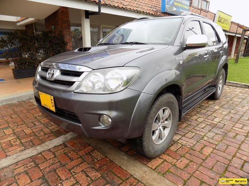 Toyota Fortuner Srv 3.0cc At Aa