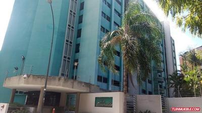 Apartamentos En Venta Eduardo Diaz #17-14439 Las Esmeraldas