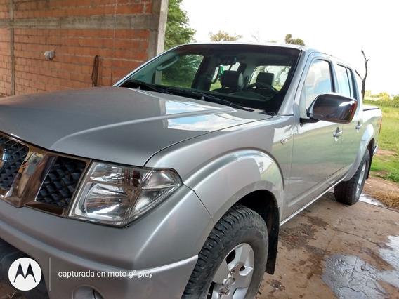 Nissan Frontier 2012 2.5 Le Cab Doble 4x4 Tap. Cuero