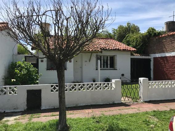 Casa De 3 Dorm Con Jardin Y Garage - Valentin Alsina
