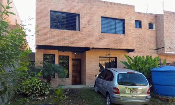Acres 20.2 Vende Casa En Villas De La Lagunita Hatillo Da