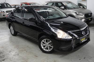 Nissan Versa 1.6 Sv Flexstart Preto 2017