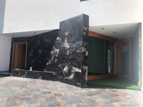 Venta Hermosa Residencia En Fracc. Colinas Del Cimatario Qro. Mex.