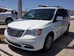 Chrysler Town & Country 30 Aniversario 2014 (6853)