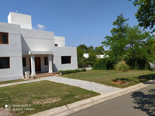 Imponente Casa Con Pileta  Country La Paloma