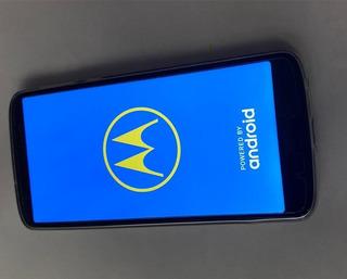Célular Moto G6 Plus