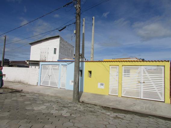 112-casa Á Venda Com 65 M², 2 Dormitórios Sendo 1 Suíte.