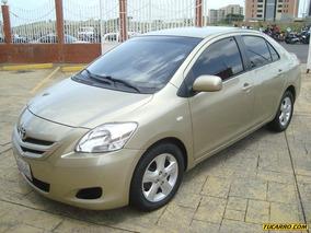 Toyota Yaris Belta - Automática