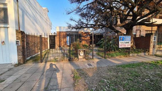 En Venta El Palomar: Casa Al Frente De 4 Ambientes A Remodelar; Y Departamento De 2 Ambientes Al Fondo Con Parque F: 8253