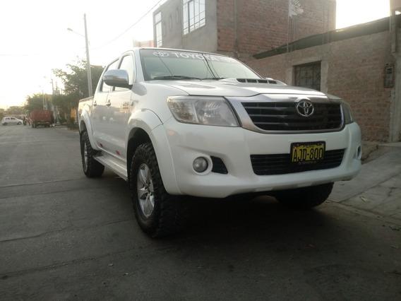 Toyota Hilux 4x4 Srv 2014