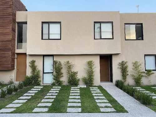 Moderna Y Amplia Casa En Renta. Magnífica Opción...