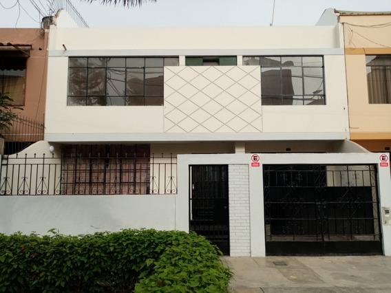 Hermosa Casa En Alquiler, 4 Habitaciones, Bien Ubicada