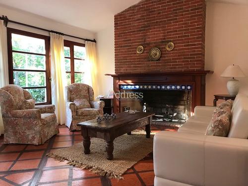 Casa En La Mansa 2 Dormitorios Y Departamento Independiente Completo,  Parrillero Y Garage- Ref: 3113