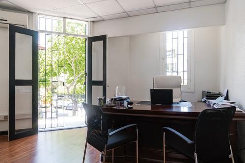 Imagen 1 de 15 de Casa-oficina En Excelente Ubicacion